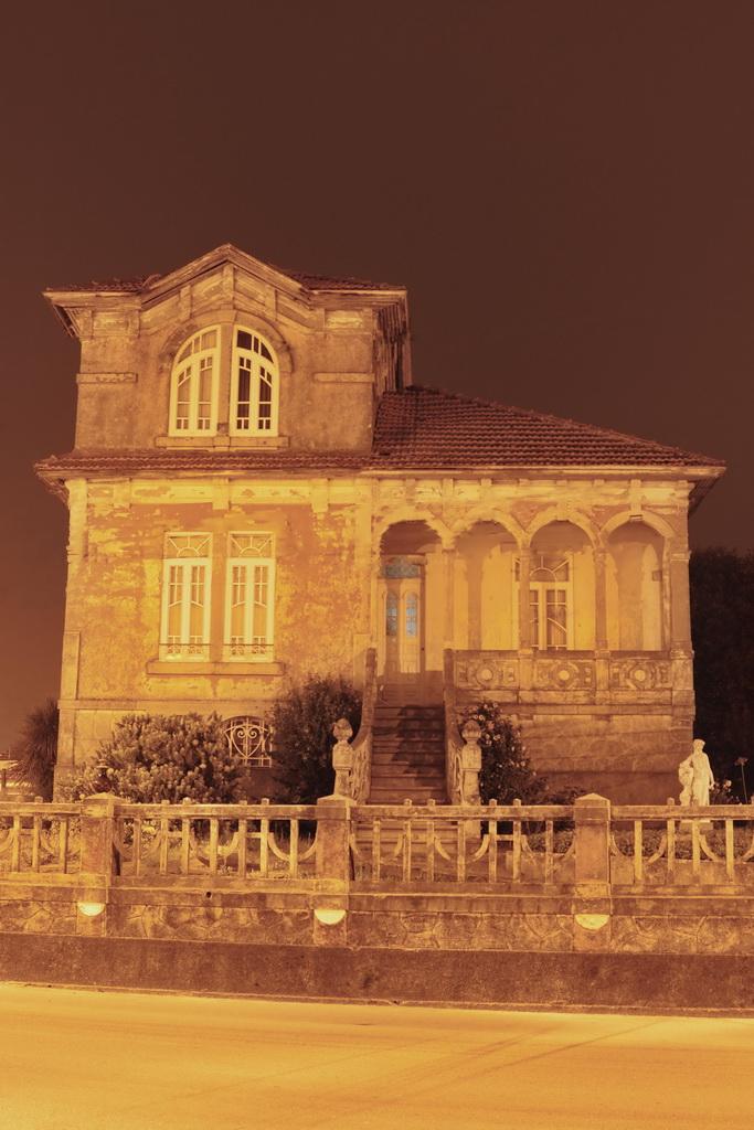 The-Monster-House-Julian-A.-Martin-Fernandez